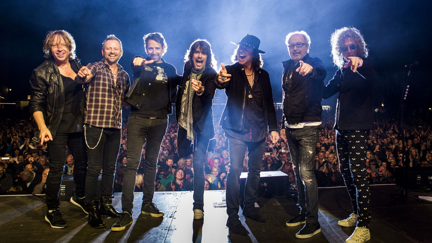 Foreigner live in Salem 2019