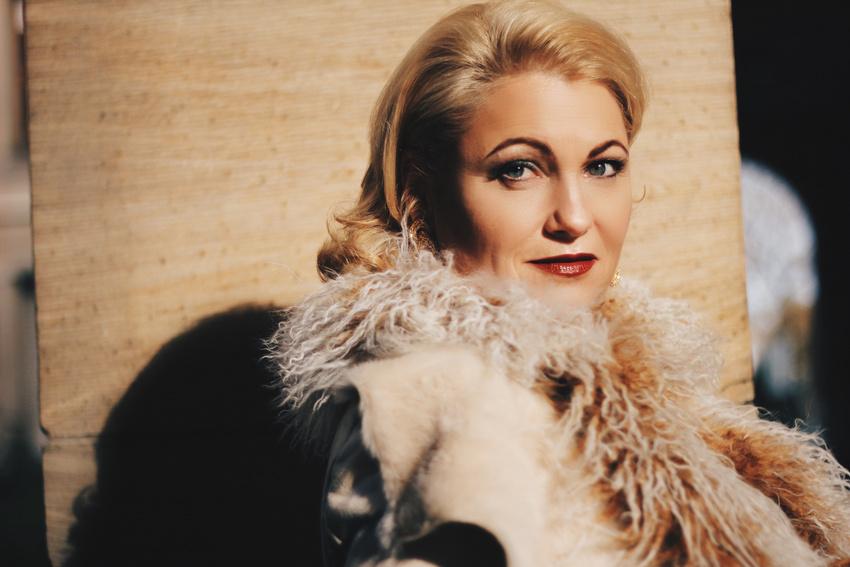 Nicole Metzger wird Songs von Carmen McRae singen