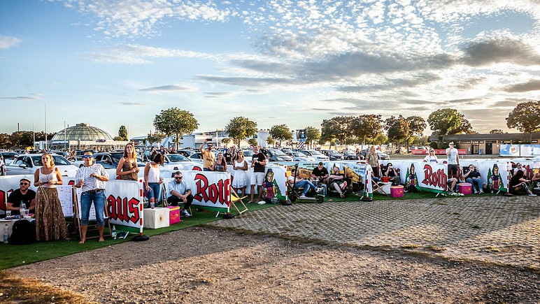 Pandemiegerechte Open-Air-Konzerte boomen dank staatlicher Förderung