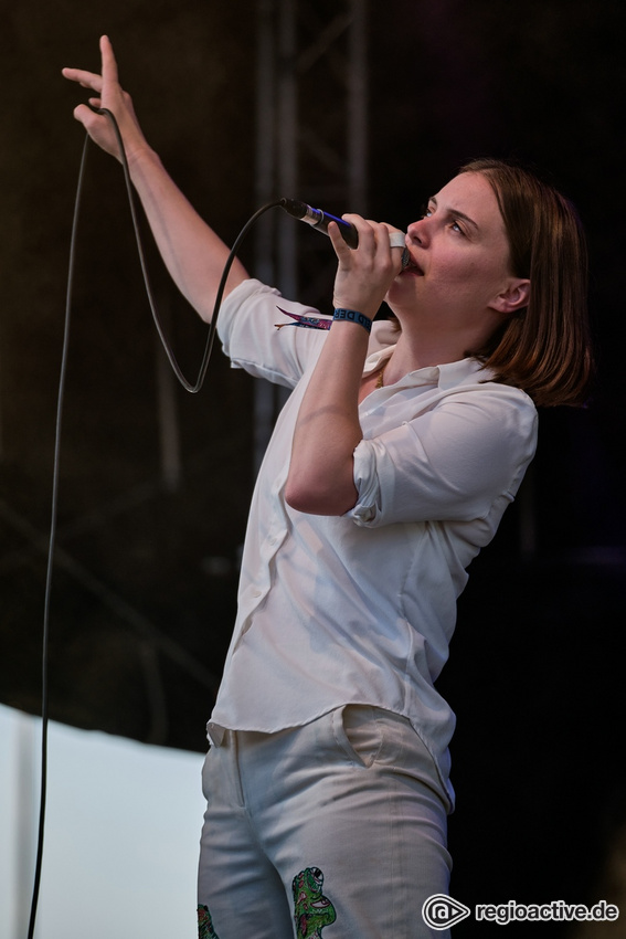 Sophia Kennedy (live beim 10. Maifeld Derby in Mannheim 2021)