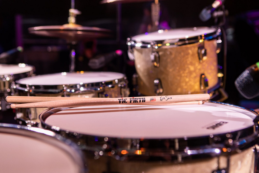 Vic Firth erweitert Signature Serie um neuen Drumstick von Nate Smith