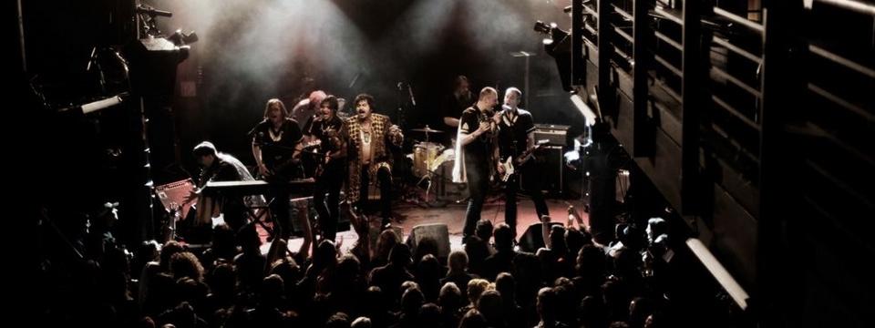 Backstage Back on Earth 2G 2021/22 im Knust in Hamburg