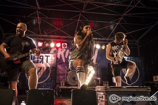 Teddys zum Liebhaben - Voll auf die Zwölf: Fotos von Grizzly live beim Laut & Leise Festival im Substage Karlsruhe