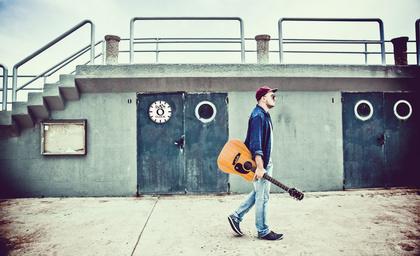 Backstage PRO präsentiert CENTVRIES und Dan O'Clock im Soundcheck-Magazin
