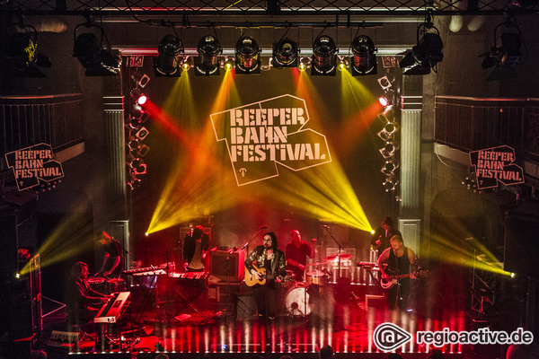 Im blauen Licht - Sensationelle Fotos von Blaudzun live beim Reeperbahn Festival 2016