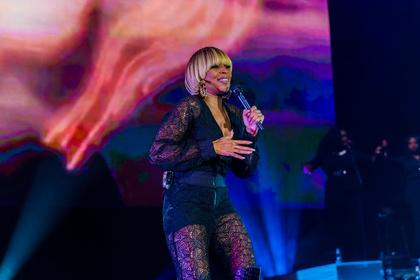 Fragwürdiges Konzept - Mary J. Blige und Maxwell spielen in der Jahrhunderhalle Frankfurt zwei komplett unterschiedliche Shows