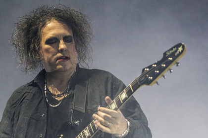 Auftakt - Legenden: Bilder von The Cure live in der Barclaycard Arena in Hamburg