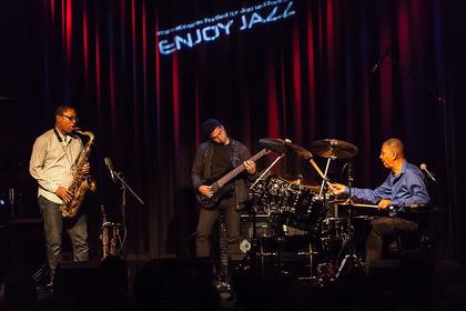 Große Namen - Enjoy Jazz 2016: Bilder vom Jack DeJohnette Trio live in Ludwigshafen