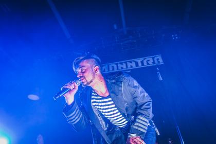 Kurzfristig eingesprungen - Fotos von Manntra als Support von In Extremo live in Wiesbaden