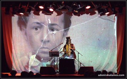 In Endlosschleife - Enjoy Jazz 2016: Matana Roberts fordert das Publikum in der Alten Feuerwache Mannheim