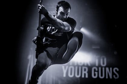 Energiegeladen - Fotos von Stick To Your Guns als Opener von Architects live in Frankfurt