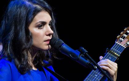 Der Chor und ich - Vielstimmig: Bilder von Katie Melua mit dem Gori Women's Choir live in Frankfurt