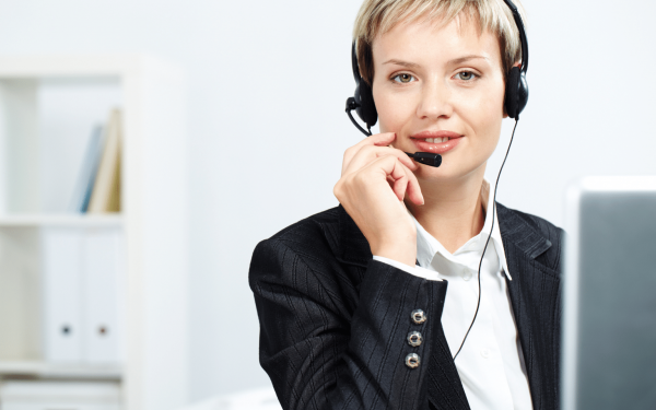 Receptionist for legal answering service