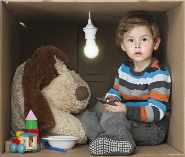 Enfant et électricité, les précautions à prendre