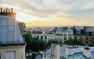 Paris: Un immeuble chauffé par le métro, des factures en baisse pour les locataires