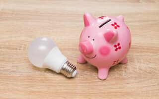 Electricité: vers une hausse de 0,8% des tarifs EDF