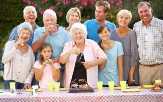 Organiser une soirée privée chez soi, que couvre l'assurance?