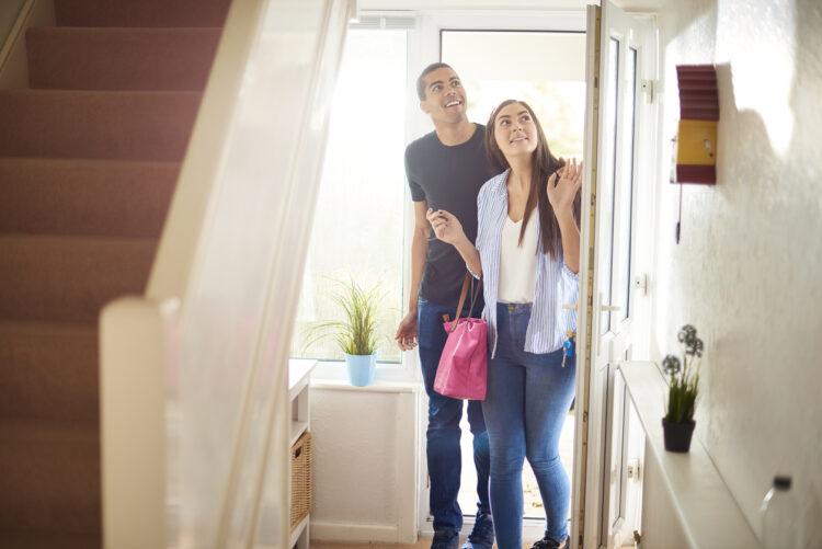 Qu'en est-il de l'assurance habitation pour un logement gratuit?