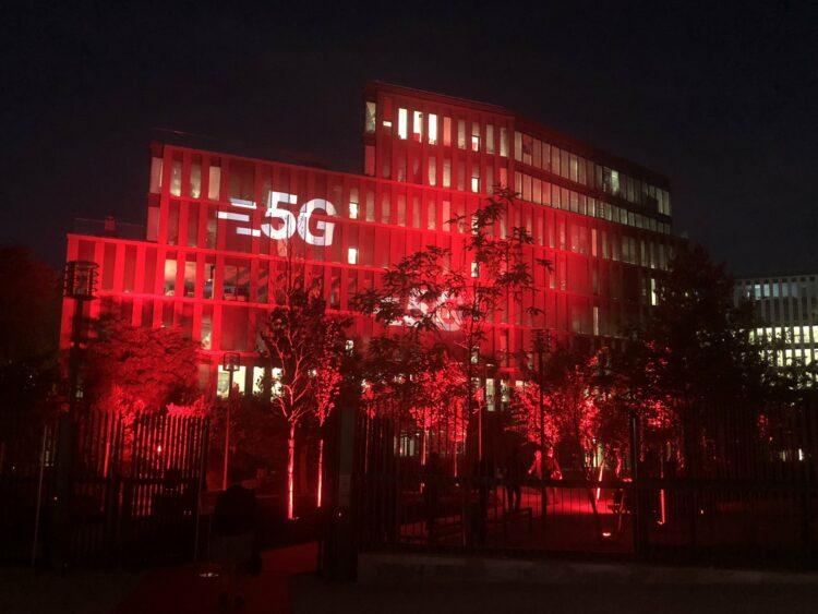 SFR teste pour la première fois la diffusion en 5G