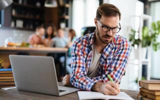 Rachat de crédit sans co-emprunteur: comment limiter les risques?