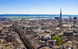 Immobilier: les prix en hausse à Bordeaux, Strasbourg, Nantes et Paris