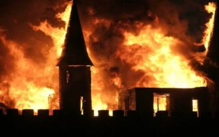 Incendie en Charente: AXA réclame plus de 400.000 euros à l'assureur des pompiers