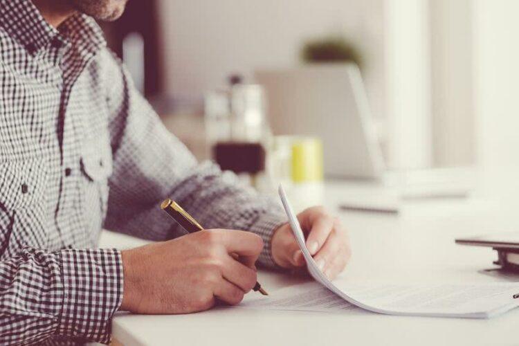 Les conditions générales et particulières d'un contrat d'assurance