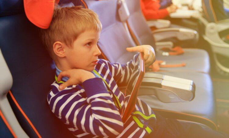 Voyage à l'étranger: quelle assurance pour votre enfant mineur?