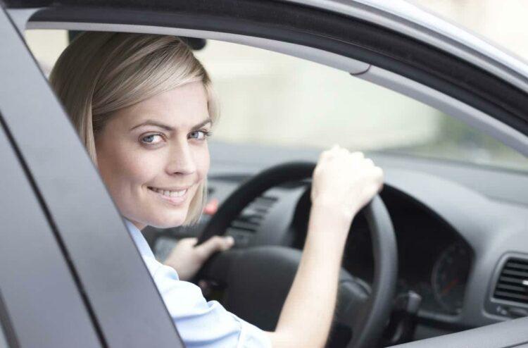 Assurance auto low cost: de quoi s'agit-il?