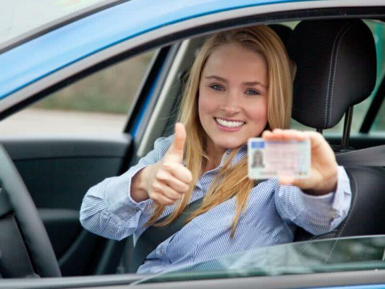Permis de conduire: passer le Code de la Route à La Poste