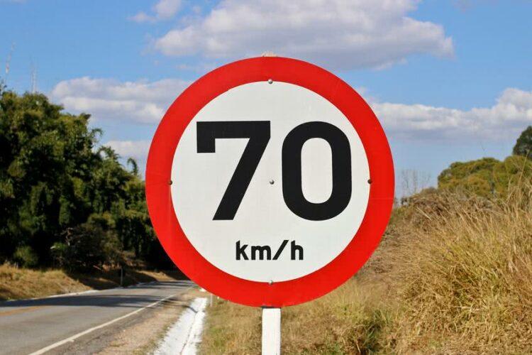 Sécurité routière: vers une reconnaissance des panneaux de signalisation en temps réel