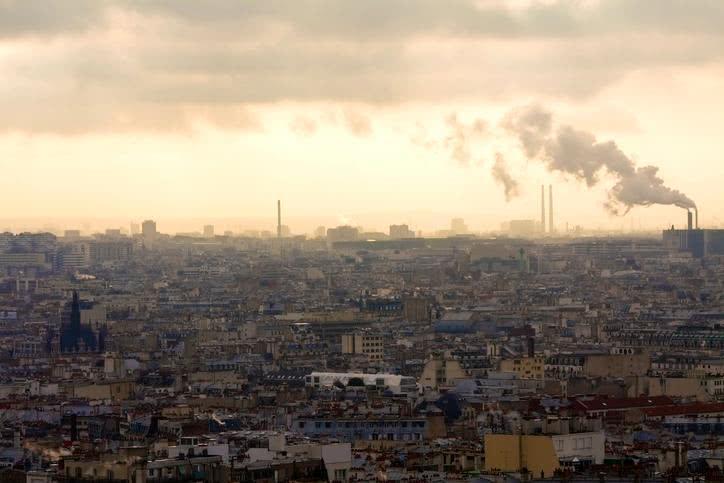 Pic de pollution: tout sur la circulation différenciée reconduite mardi et mercredi à Paris et Grenoble