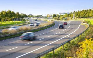 Autoroutes: 150 km/h au lieu de 130, la proposition osée d'un député