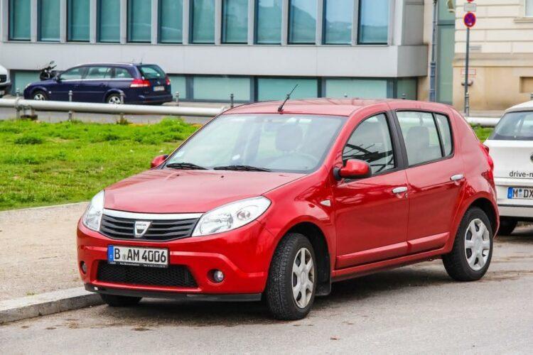 La Dacia Sandero est la voiture préférée des particuliers en France