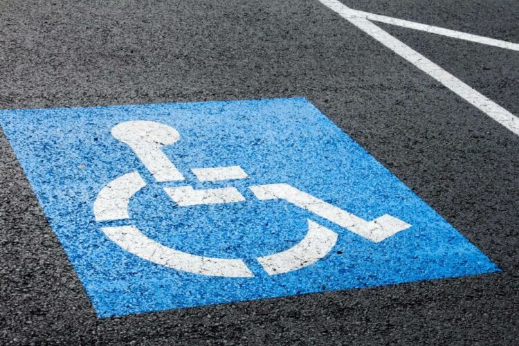 Handicap: une application pour trouver une place de parking