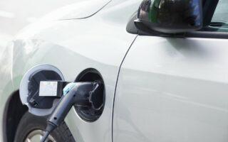 Voiture électrique: bientôt moins chère qu'une voiture thermique