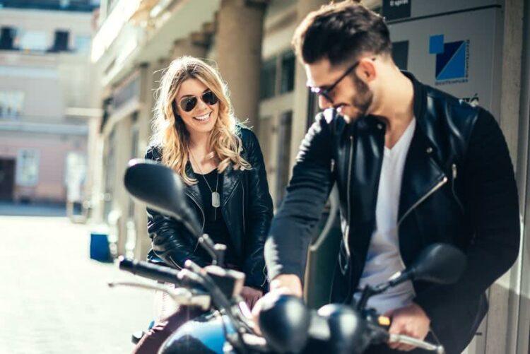 Achat d'une moto neuve: prêt classique ou leasing?