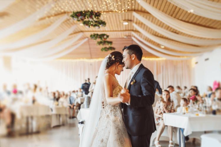 Le crédit mariage, une piste pour votre budget