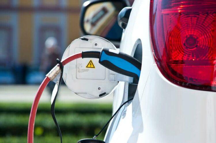 Quelle assurance auto pour une voiture hybride?