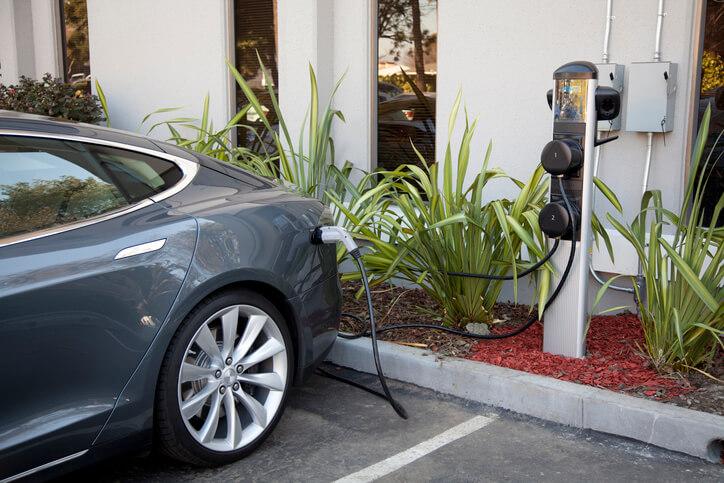 Assurance voiture électrique, aussi écologique qu'économique!