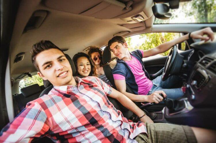Zoom sur l'assurance auto collaborative: définition et fonctionnement