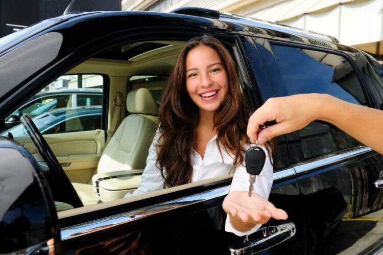 Changement de véhicule: transférer son contrat d'assurance ou en souscrire un nouveau?