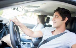 Les règles de bonne conduite du passager en voiture