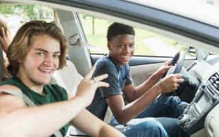Jeune conducteur en assurance: combien de temps?