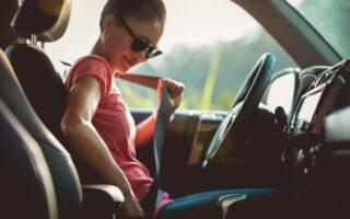 Comment résilier son assurance auto avant un an ou avant échéance?