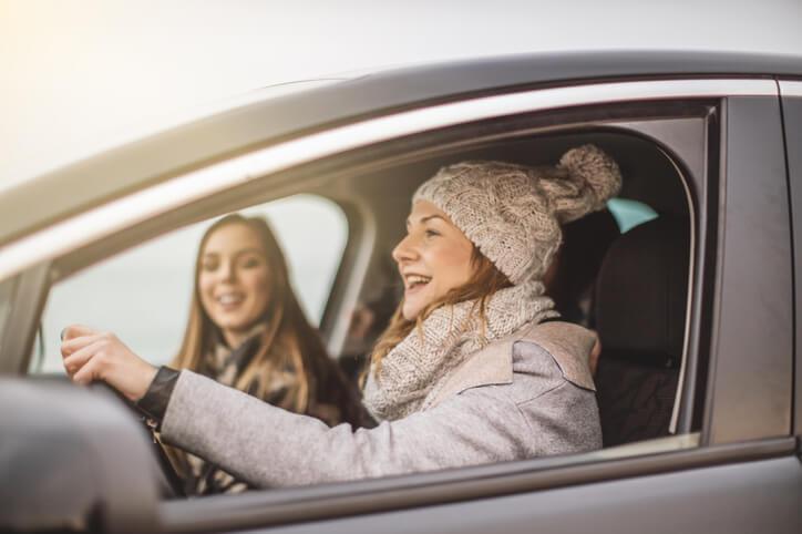 Quelles sont les limitations de vitesse pour les jeunes conducteurs?
