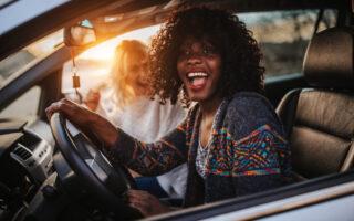 Jeune conducteur: conseils pour assurer une voiture puissante