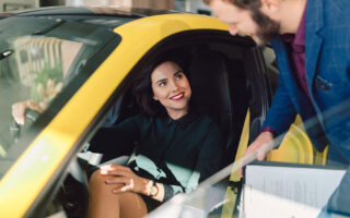 4 choses à savoir avant d'acheter une voiture électrique