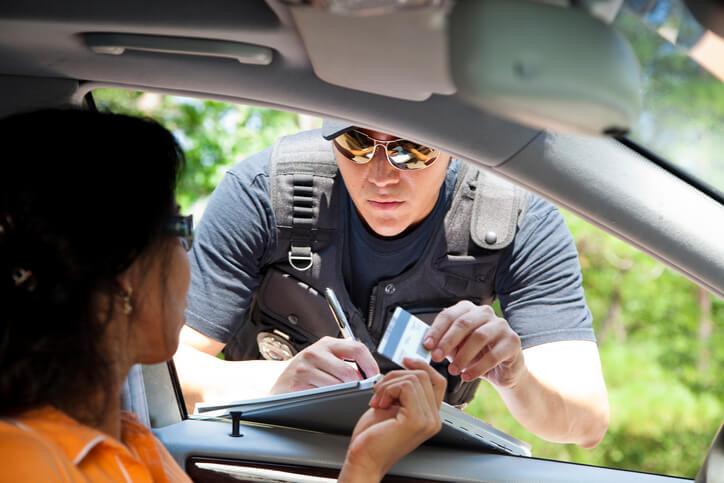 Le FVA, Fichier des Véhicules Assurés, pour lutter contre la conduite sans assurance