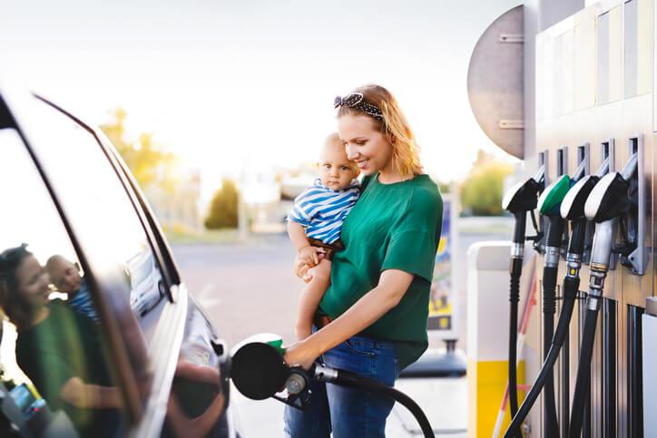 Budget voiture: carburant, parking, assurance auto… comment faire des économies?